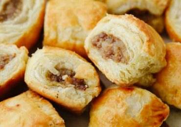 Simple and Delicious Sausage Rolls